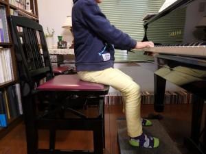 ピアノ 足台